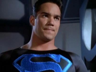lois-et-clark-les-nouvelles-aventures-de-superman-saison-3-black-suit